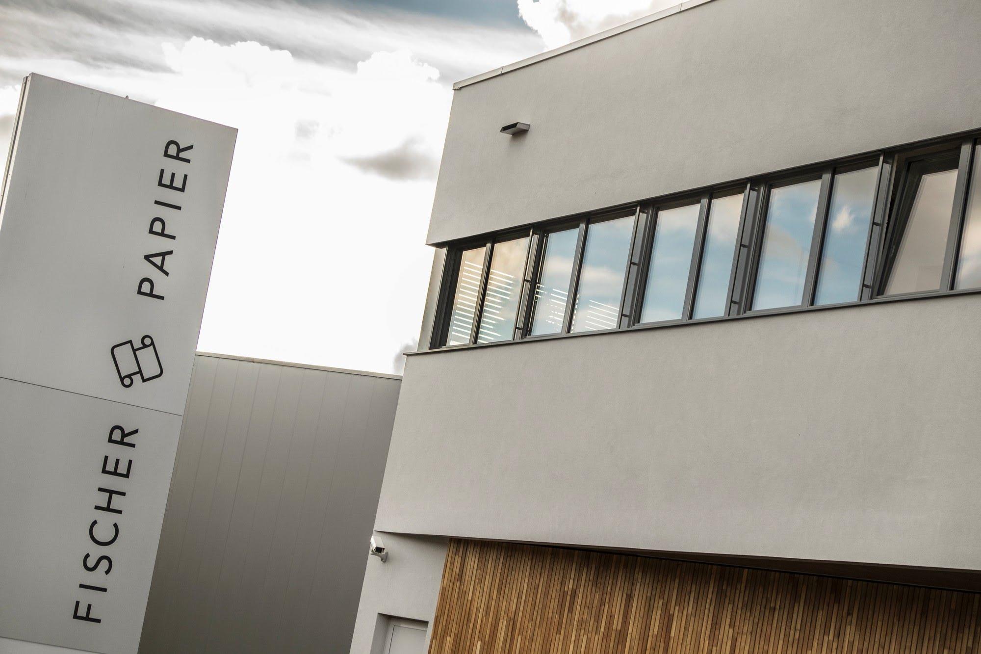 Industrie / Gewerbebau,Aussenwärmedämmung Neubau Lagerhalle Fischer Papier AG