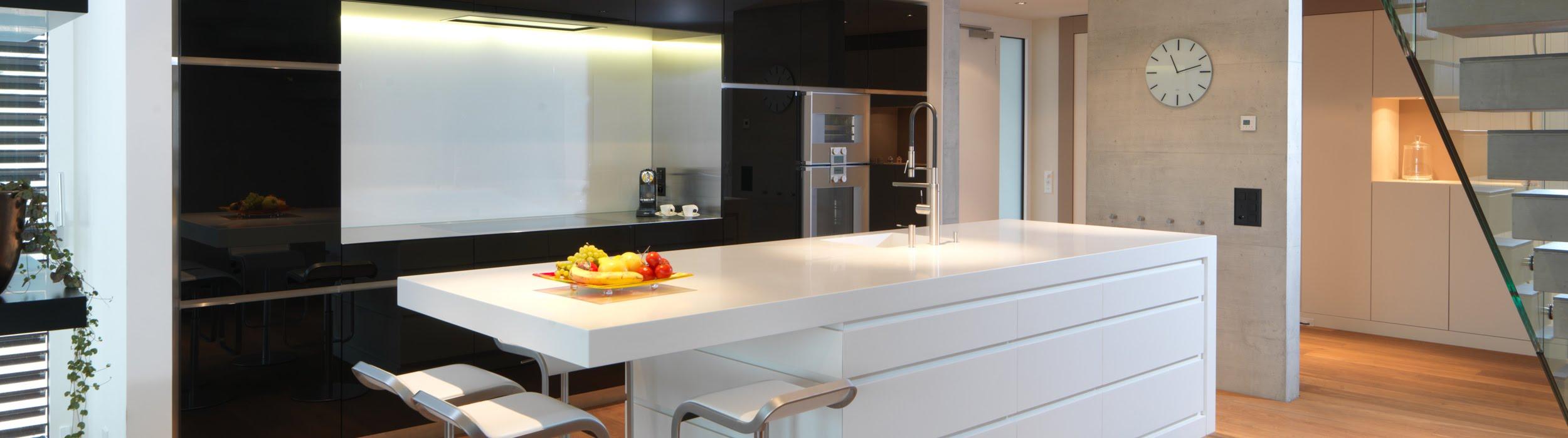 Spezialist für Küchen & Küchenbau, Moderne Küchen, Küchenumbau, Küchenbau, Bäder, Renovationen, Sursee, Willisau, Zentralschweiz, Luzern, Zofingen