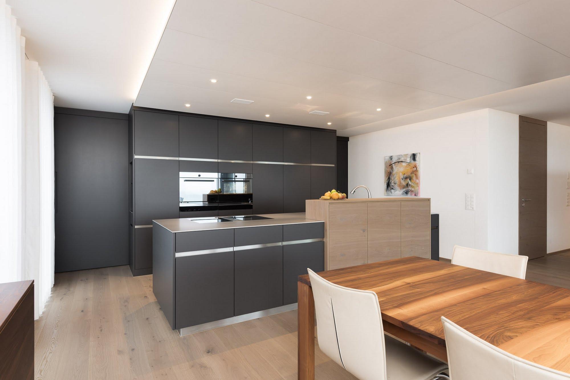 Küche und Innenausbau - Bäder & Badumbau,Küchen & Küchenumbau,Raumgestaltung & Innenarchitektur-Küchen werden immer mehr zum Ort der Begegnung - Sursee, Willisau, Aargau, Zentralschweiz, Luzern, Zofingen