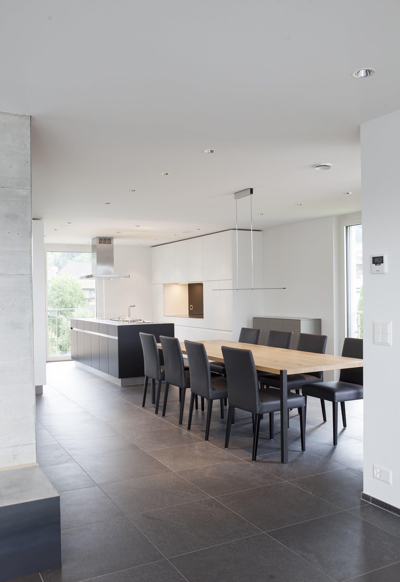 Küche und Einbaumöbel in Holz und Lack - Küchen & Küchenumbau,Raumgestaltung & Innenarchitektur-Küchen werden immer mehr zum Ort der Begegnung - Sursee, Willisau, Aargau, Zentralschweiz, Luzern, Zofingen