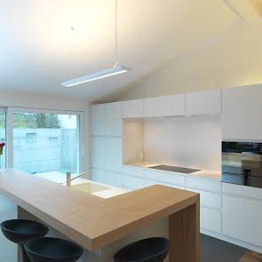 Kücheneinrichtung Dachgeschoss - KAWA Design AG ihr Spezialist für Küchen & Küchenbau :: Küchen Raum Bäder, Sursee, Luzern, Zug, Aargau