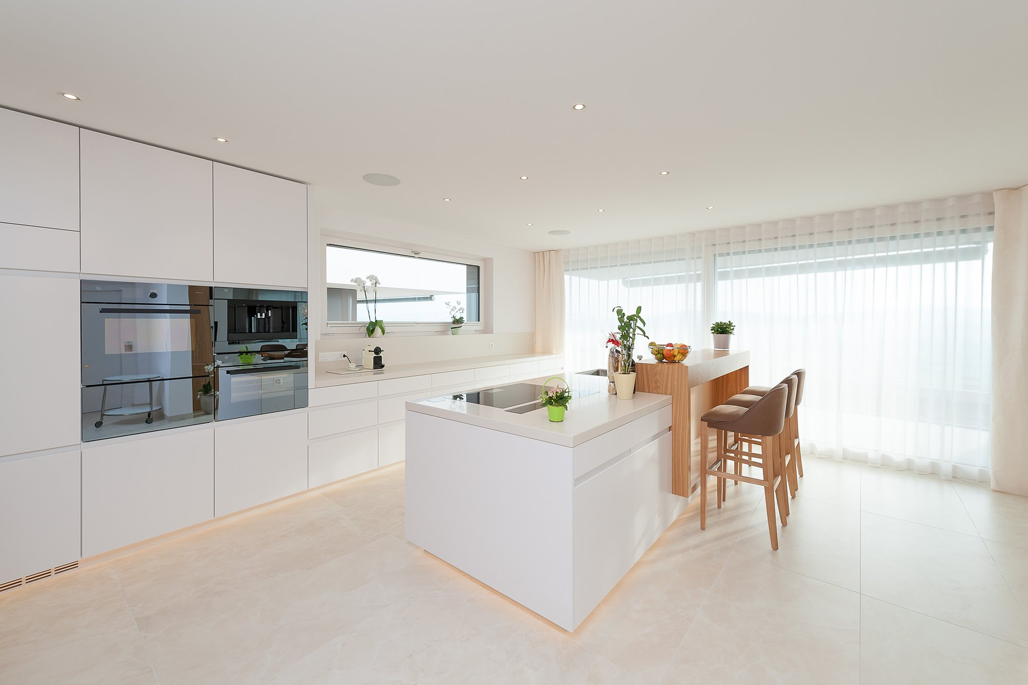 Offene Küche in Schenkon - Küchen & Küchenumbau-Küchen werden immer mehr zum Ort der Begegnung - Sursee, Willisau, Aargau, Zentralschweiz, Luzern, Zofingen