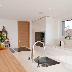Offene Küche in Schenkon - KAWA Design AG :: Küchen Raum Bäder, Sursee, Willisau, Luzern, Zofingen