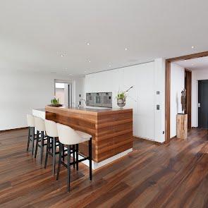 Wohnhaus in Schenkon - KAWA Design AG ihr Spezialist für Küchen & Küchenbau :: Küchen Raum Bäder, Sursee, Luzern, Zug, Aargau