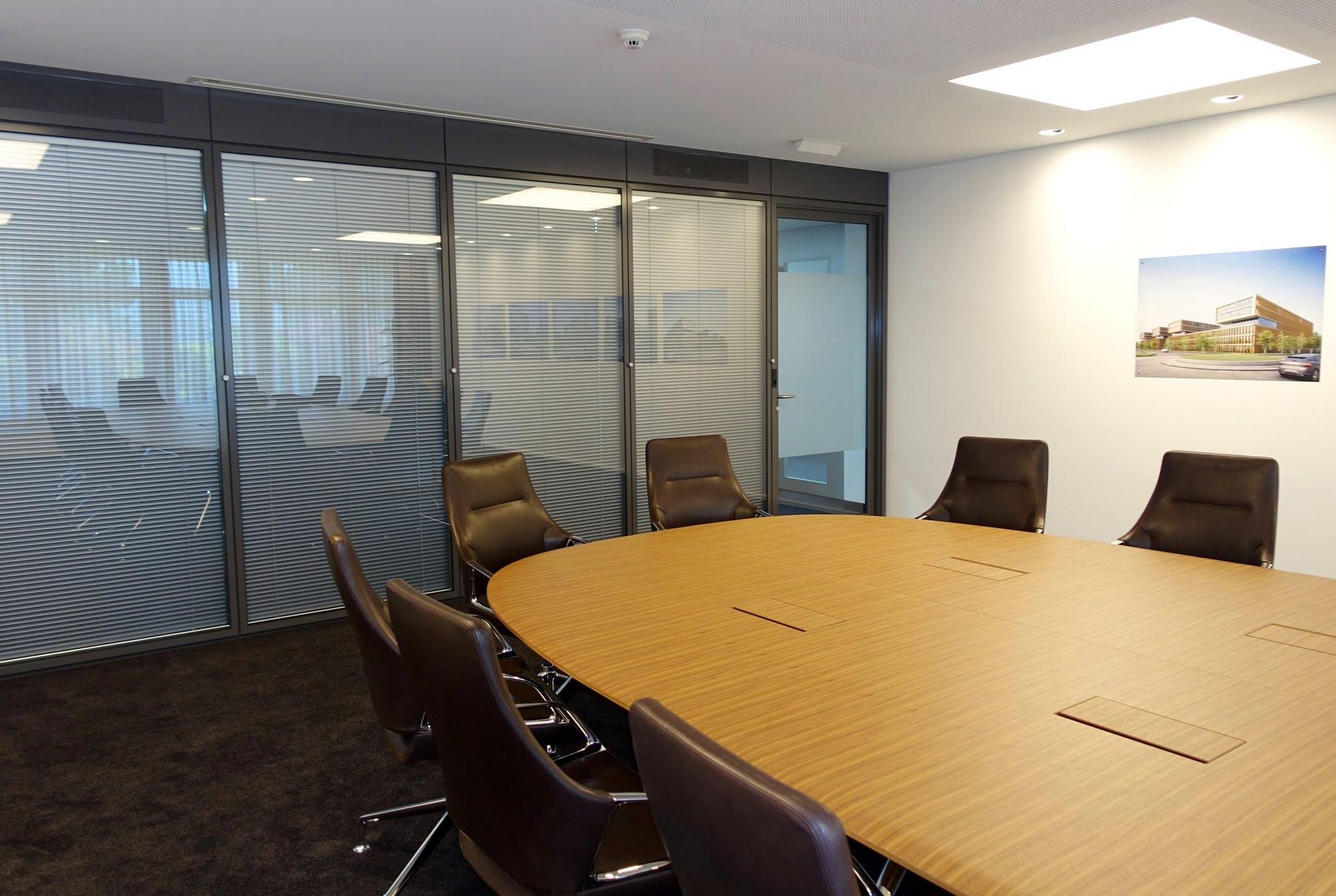 NovaFlex - Bürotrennwand,Alfred Müller AG,Deckensystem-Wandsysteme,Trennwände Büro,Ganzglaswände,Bürotrennwand,Akustikdecken,Schallschutzdecken,Trennwände,Glaswände,Faltwände,Raumgestaltung,Trennwand Systeme