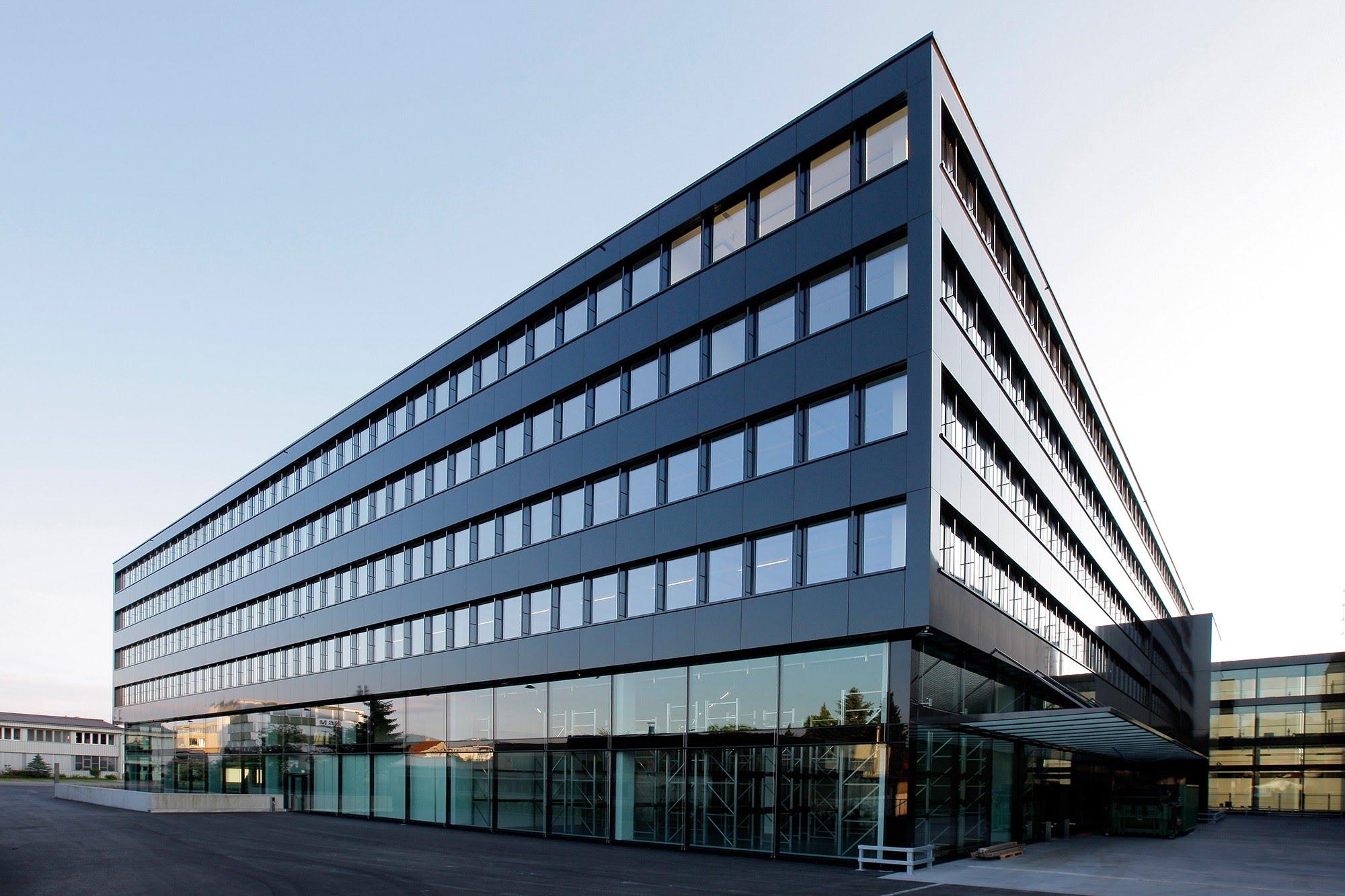 PLAFONDNOVA AG :: Trennwand Systeme, Ihr Partner für Decken & Wandsysteme