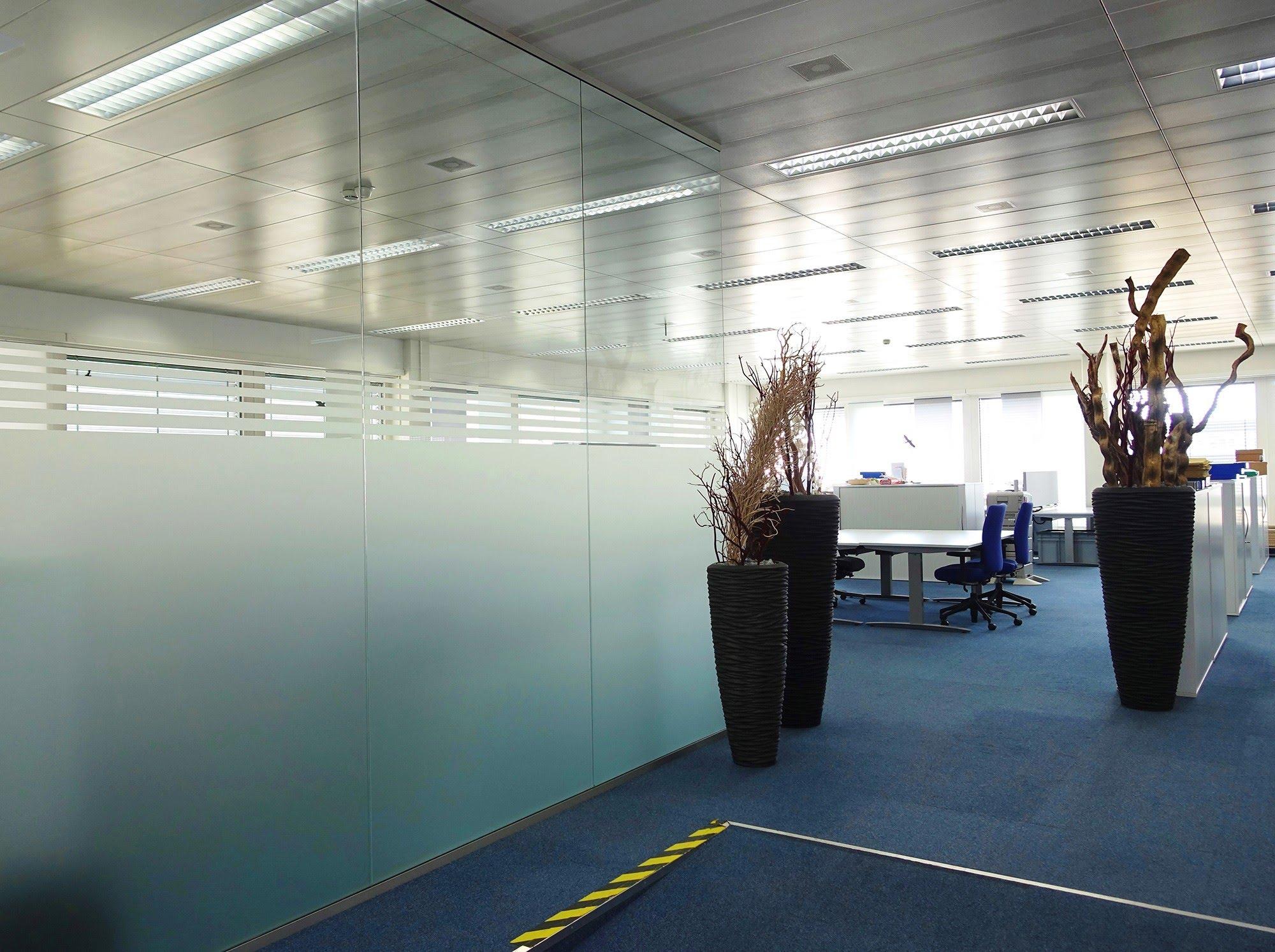 Metalldecken,Novaflex - Bürotrennwand,NovaOne - Ganzglaswände,Migros Dierikon,Deckensystem-Wandsysteme,Trennwände Büro,Ganzglaswände,Bürotrennwand,Akustikdecken,Schallschutzdecken,Trennwände,Glaswände,Faltwände,Raumgestaltung,Trennwand Systeme