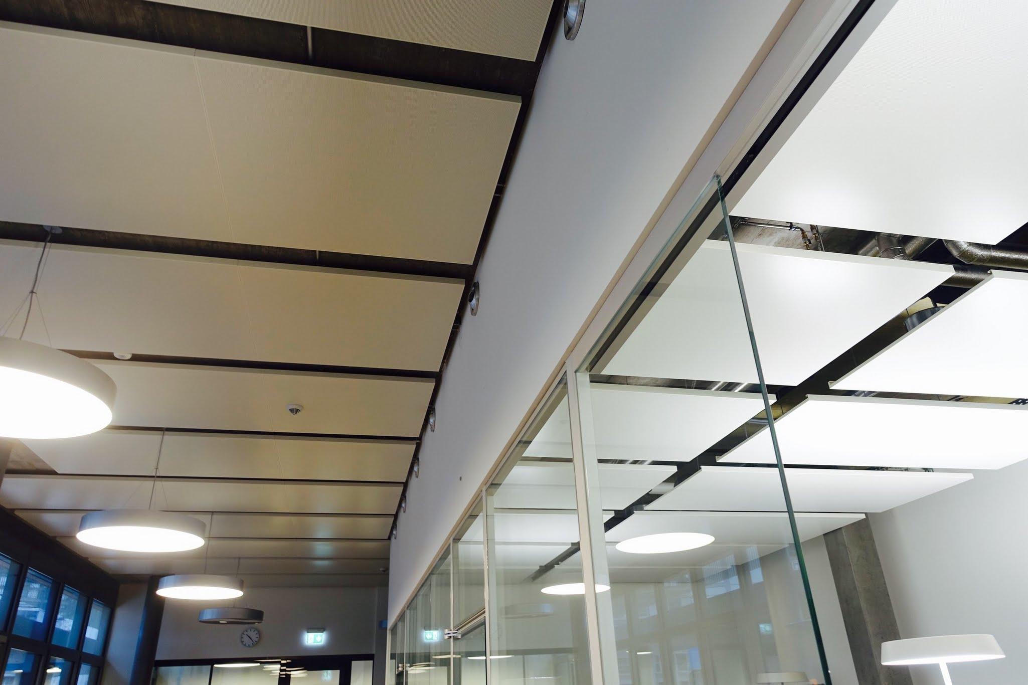 Kühl/-Heizdecken,Neubau Hochschule Luzern, Suurstoffi, ,Deckensystem-Wandsysteme,Trennwände Büro,Ganzglaswände,Bürotrennwand,Akustikdecken,Schallschutzdecken,Trennwände,Glaswände,Faltwände,Raumgestaltung,Trennwand Systeme