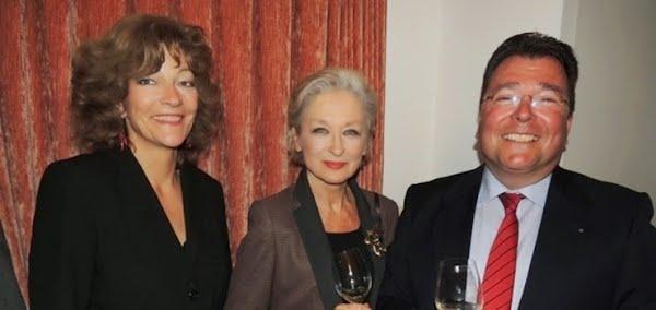 Isabelle Ruf, Schauspielerin Heidi Maria Glössner, Hans Ambühl (Stiftungsratspräsident Stadttheater Sursee)