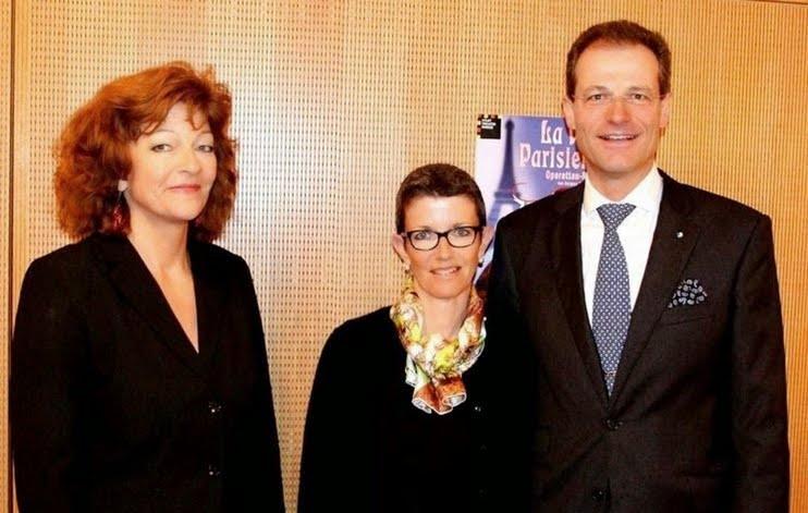 Regierungspräsident Reto Wyss und Gattin Ilga mit Isabelle Ruf-Weber